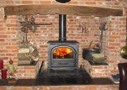 Windsor Cast Iron Multi Fuel and Wood Burning Stove - 16kw max (8 > 14kw to room)