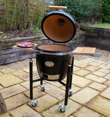 Monolith Kamado Classic Ceramic Bbq Grill BLACK with Side Shelves and Cart