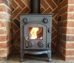 Eltham Cast Iron Multi Fuel and Wood Burning Stove - 6kw max (3 > 5kw to room)