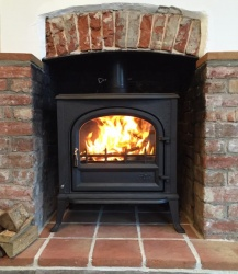 Windsor Solid Door - Multi Fuel and Wood Burning Cast Iron Stove - 16kw max (8 - 14kw to room)
